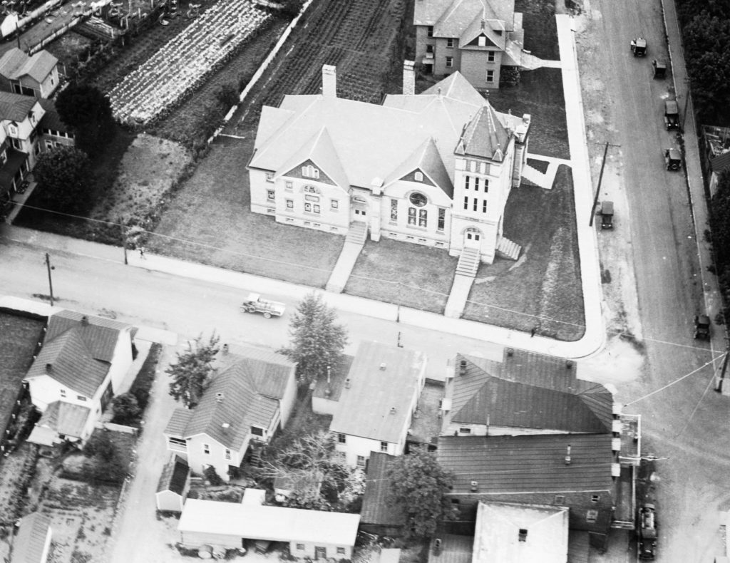 Aerial photo of Front Royal Methodist Church, circa 1927.