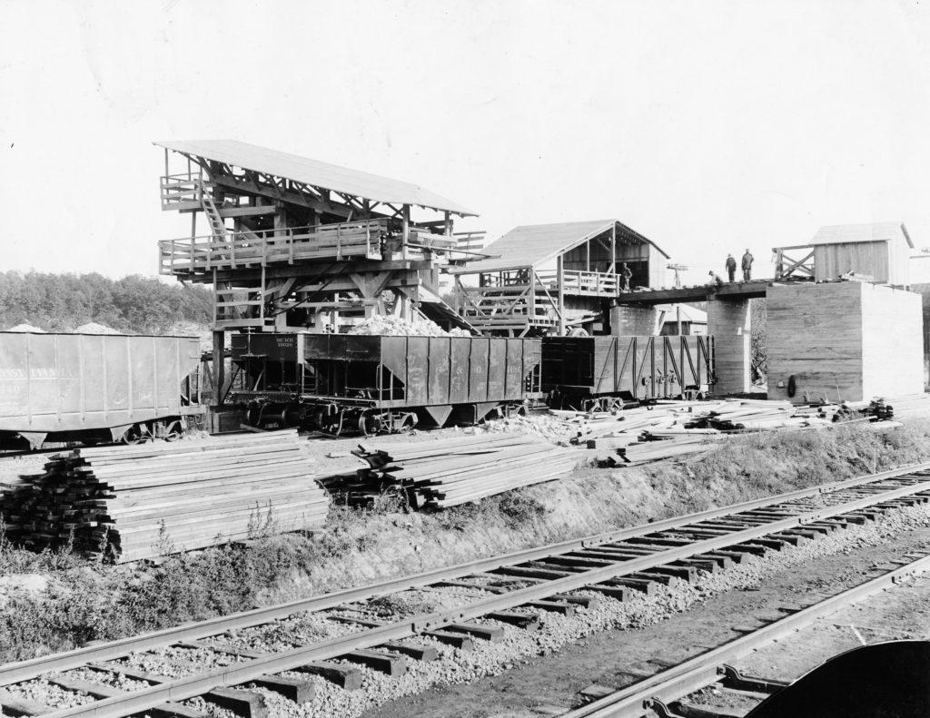 Carson & Sons in Riverton, circa 1930.