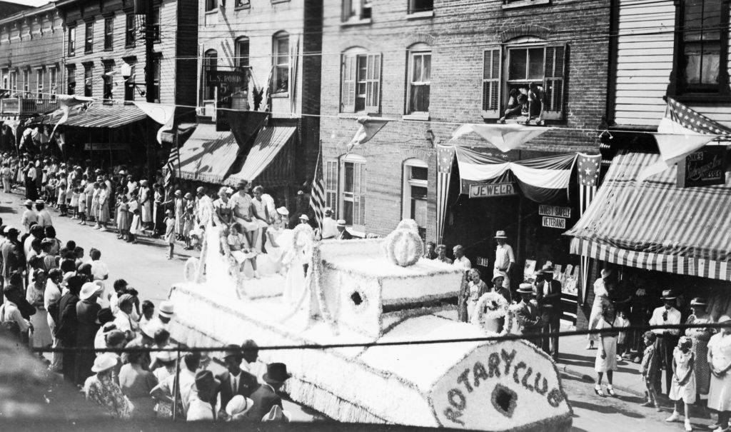 Centennial Celebration of Warren County, Main Street, Front Royal, August 9, 1936.