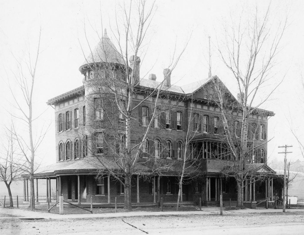 Ladies Hall at Eastern University, Front Royal, circa 1905.